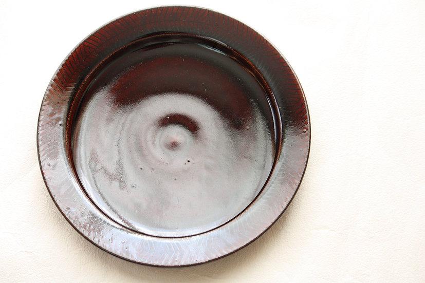 飴釉八寸皿
