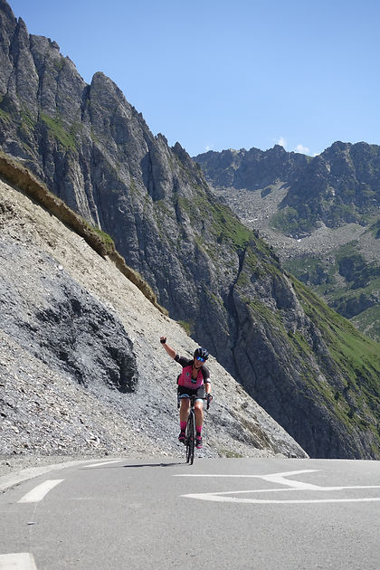 Col du Tourmalet, road cycing, mountains, summit, achievement, women cycling, Internationelles, Escape to the Pyrenees