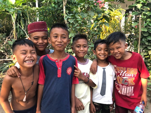 These cheeky little guys were very excited to be receiving rice and noodles and tarps.  They were waiting for help to arrive.  As they have very little food.  Thanks TUF Minds – Life Rescue and all of you generous Ozzies that donated and made them smile again.  Yours in Positivity Dr Eli McIntosh