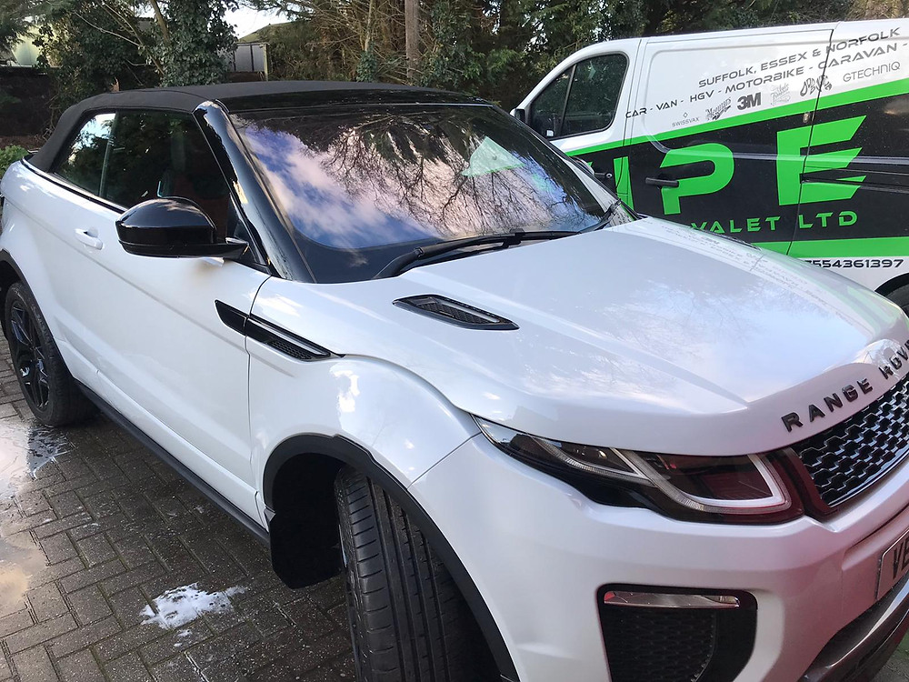 LAND ROVER EVOQUE has a silver valet in a very cold windy day. Now looking clean and tidy including the lovely red n black interior.