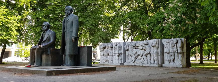 Statues de Marx et Engels