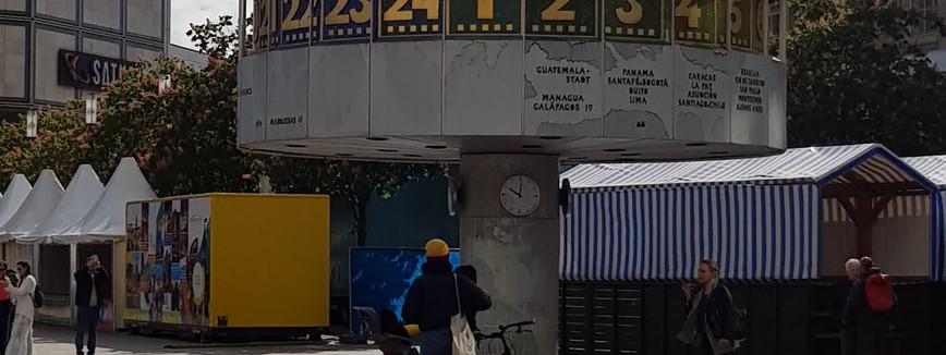 Horloge uranus sur l'Alexanderplatz