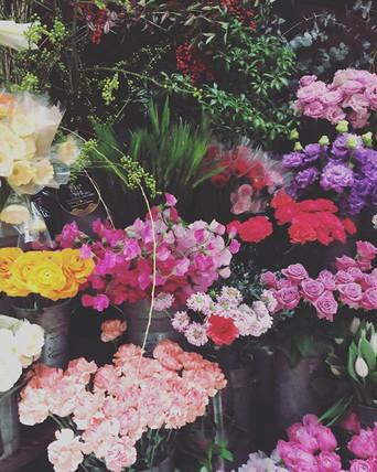 開店前のお花屋さん