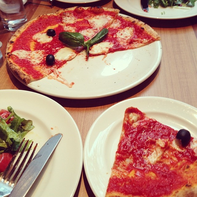 Instagram - pizza lunch with friends!  #ピザ#ランチ#友達#pizza#lunch#friend