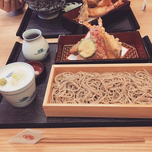 バプリカとズッキーニの天ぷら美味しかった^ ^  Tempura and soba.jpg