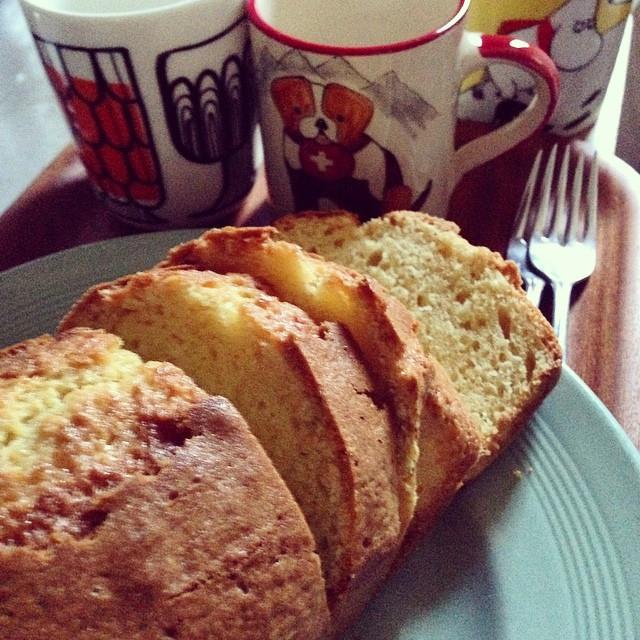 Instagram - パウンドケーキを焼いたよ。 お茶にしましょ^ ^  baked a pound cake.jpg