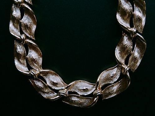 LISNER Gold Leaf Necklace