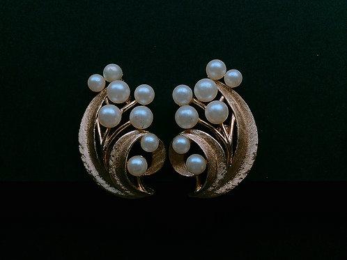 Crown Trifari Pearl イヤリング