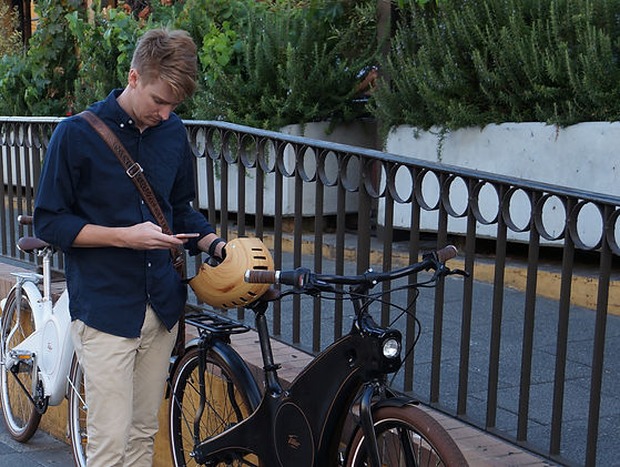 Tiller Rides rider using app to unlock their Roadster e-bike in Perth