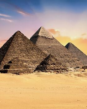 pyramids-2159286.jpg