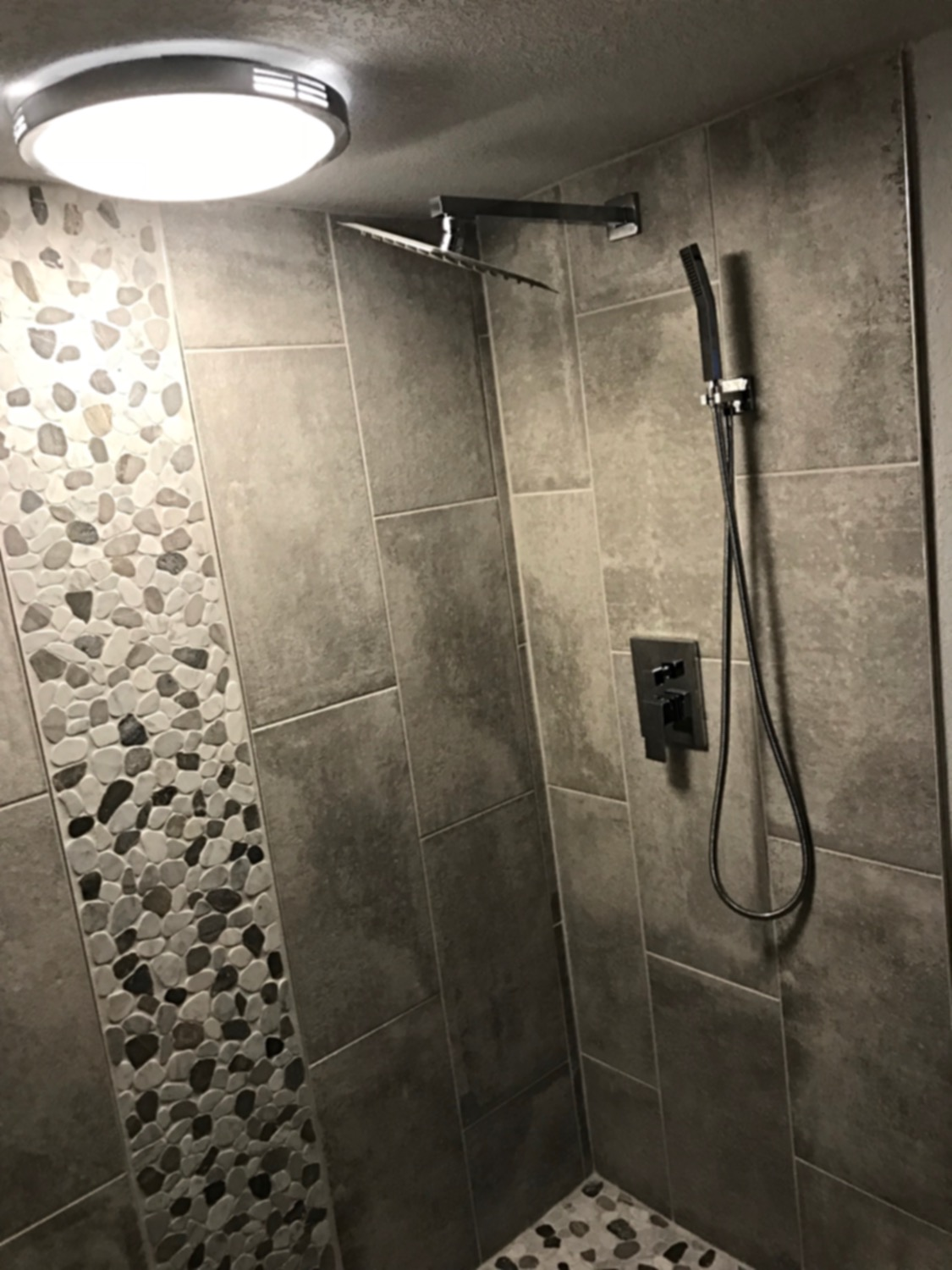 shower with sprayer