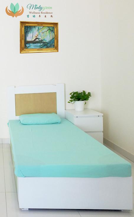 mintygreen single room.jpg
