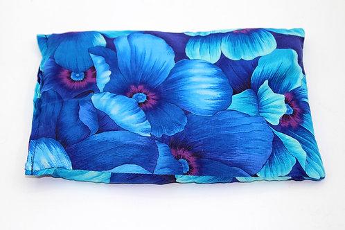 Chriesistei Kissen Blaue grosse Blumen