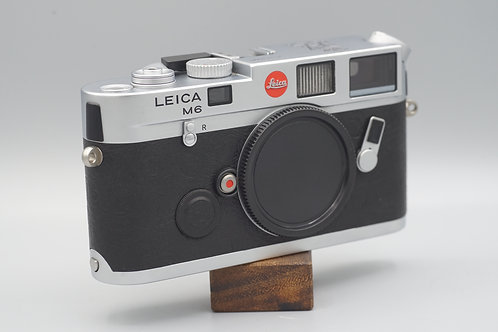 Leica M6 Royal Wedding Edition