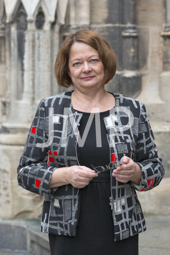 Annette Weidhas