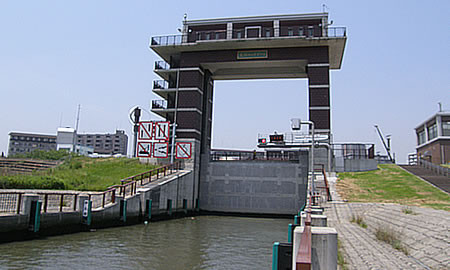 荒川ロックゲート修繕のため通航休止