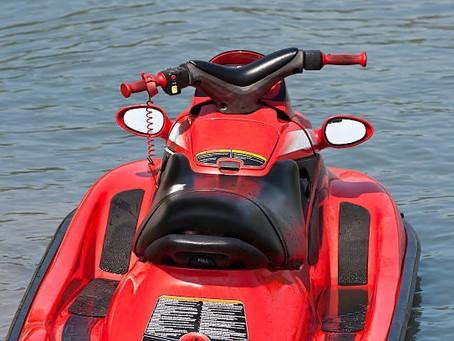 新型コロナウイルスの影響もありますが、夏こそ水上バイクに乗りたいですね!
