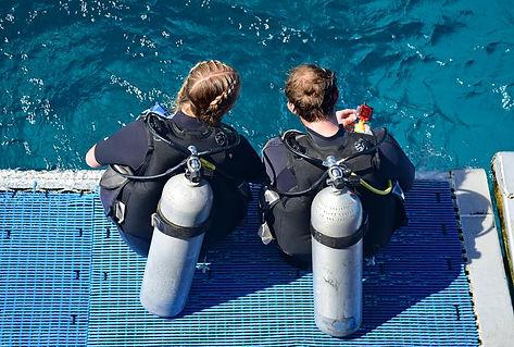 Divers_Back_of_Boat.jpg