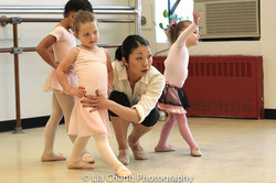 Pre-Ballet (3-5 yr olds) Learning 4th position