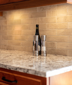Rich and dramatic kitchen accent