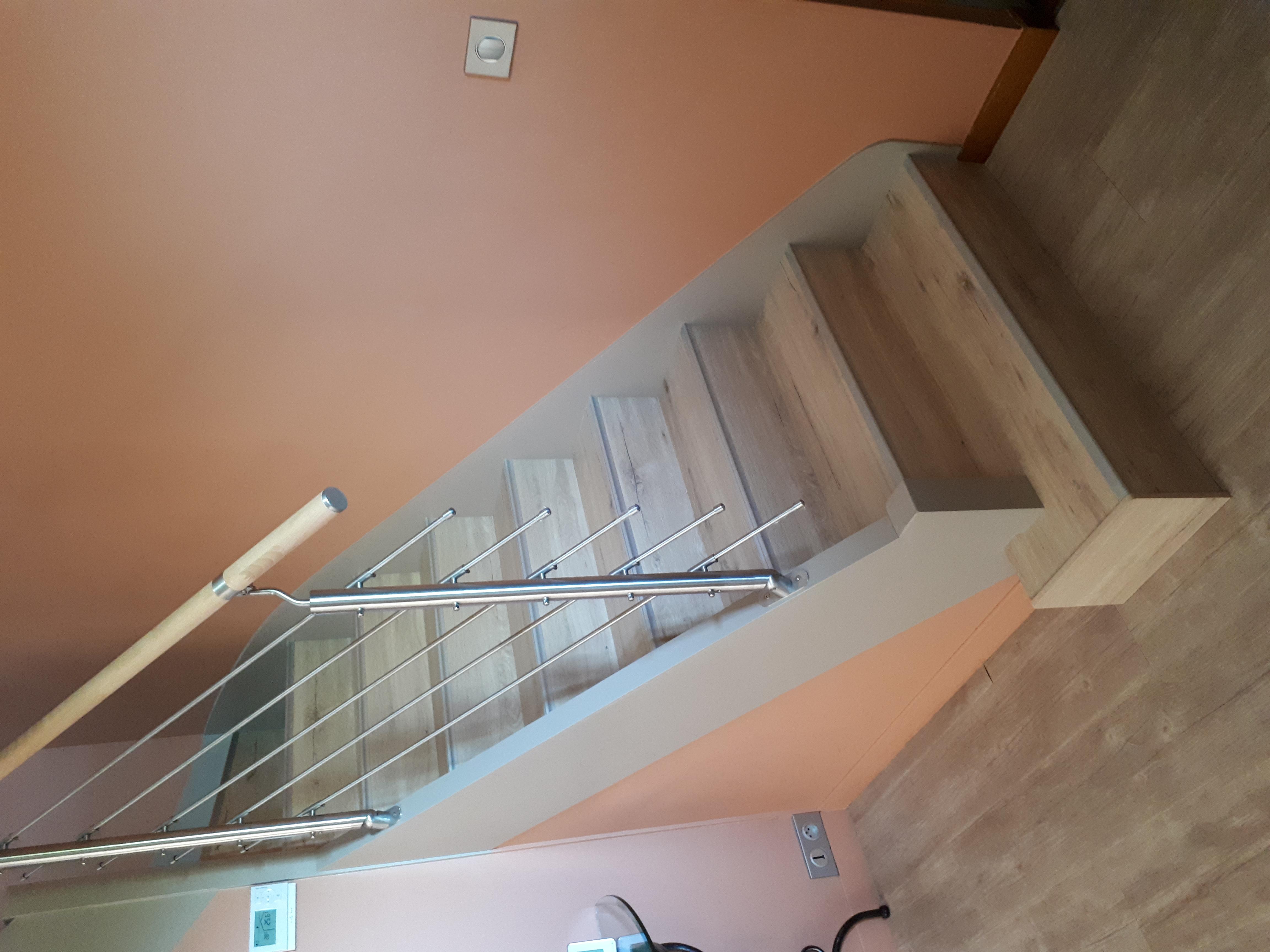 Rénovation escalier et changement des rampes bois par des rampes Inox 304