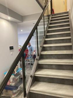 habillage escalier et verre en remplacem