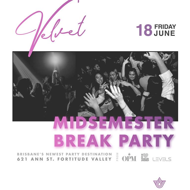 Velvet Fridays - End of Semester Party 18.06.21