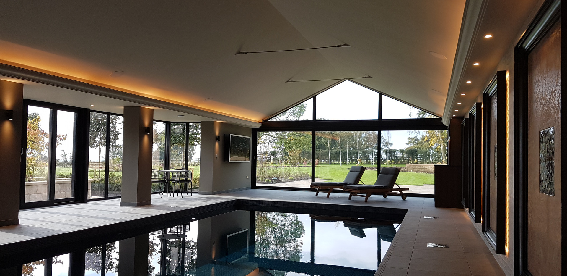 Pool with Smart Lighting, TV and surround sound system