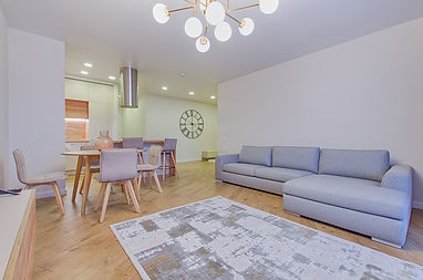 photo-of-living-room-1743227.jpg
