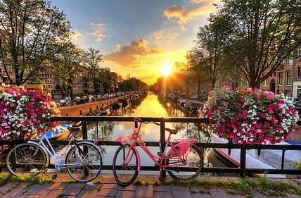 amsterdam-741x486.jpg