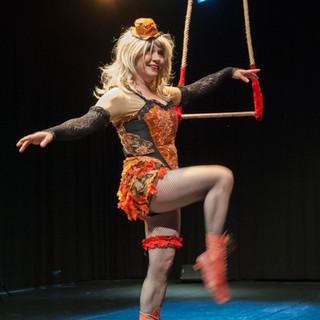 Circo, Syrjäryhmä performance