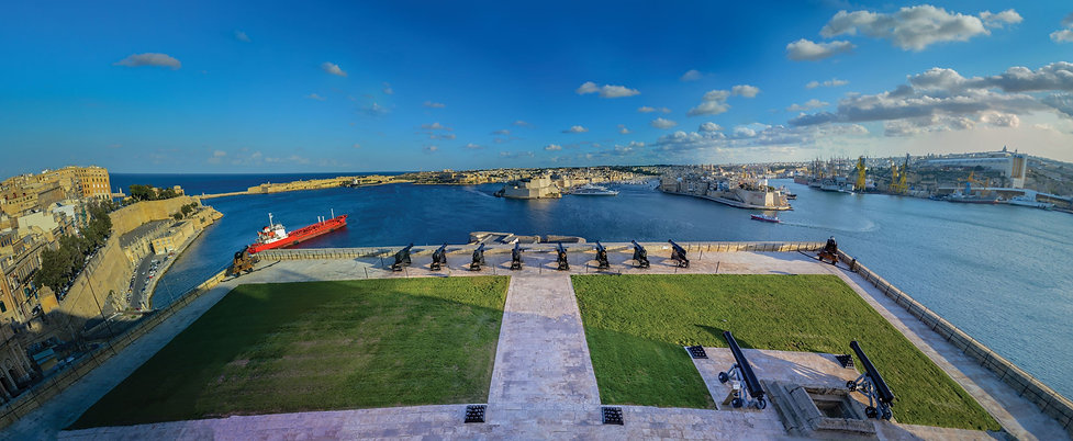 Panorama at canons Valletta.jpg