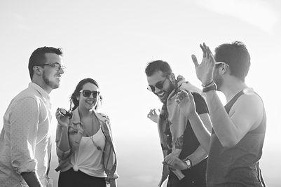 Conférencier motivateur - témoignages - entreprise - groupe de gens