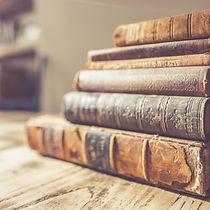 book-2572013_1920.jpg