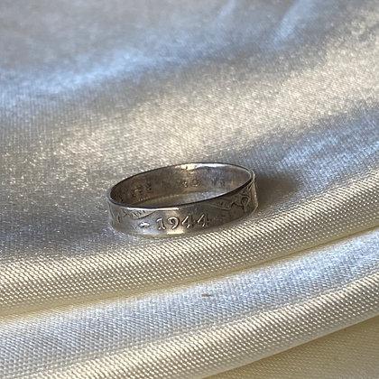 1944 Australian Shilling Coin Ring