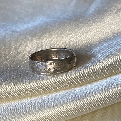 1942 Australian Sixpence Coin Ring