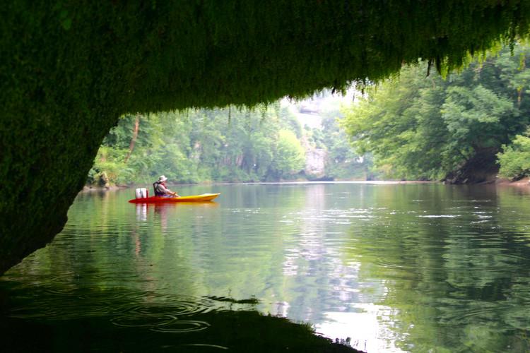Canoeing Dordogne
