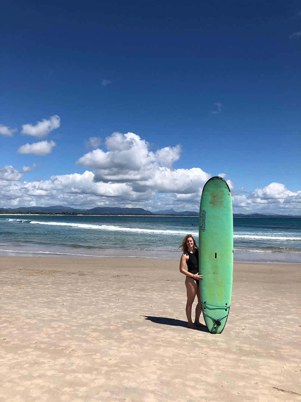 where to surf for beginners in byron bay