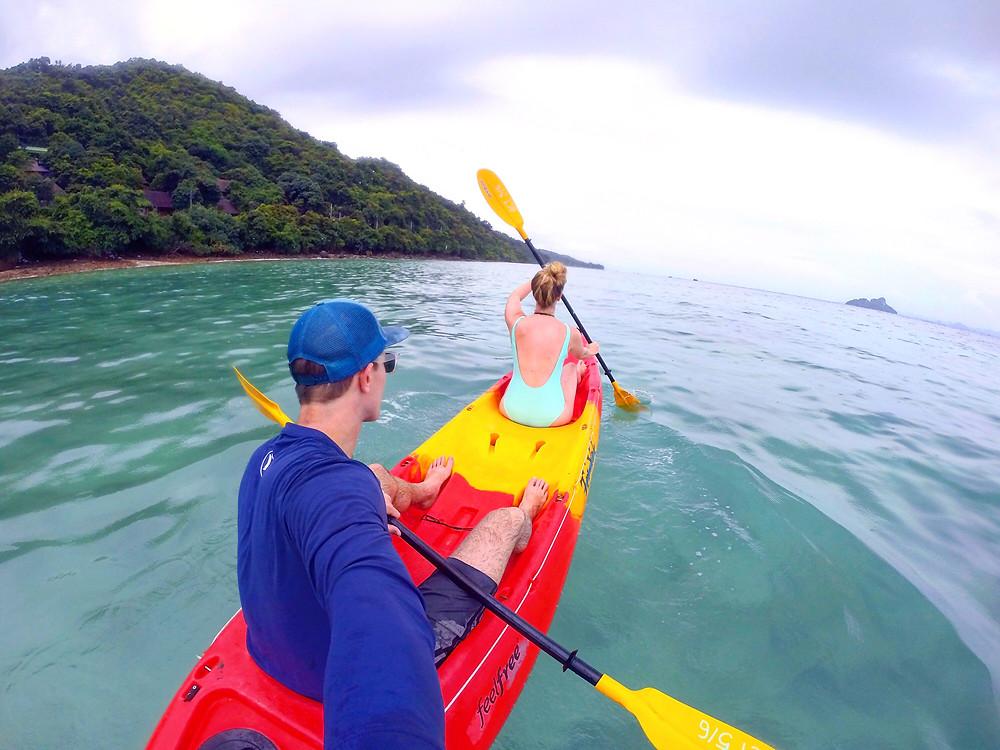 kayaking phi phi islands