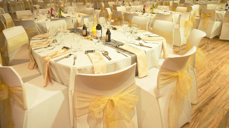 Gold Themed Wedding at Stoke Newington Town Hall