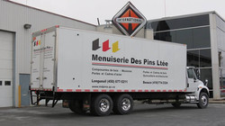 Camion Menuiserie des Pins Ltée