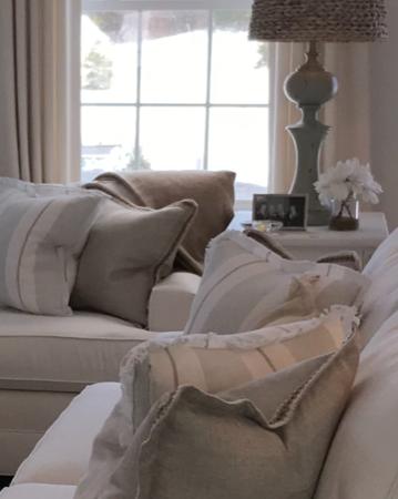 MARSHFIELD RESIDENCE - Living Room