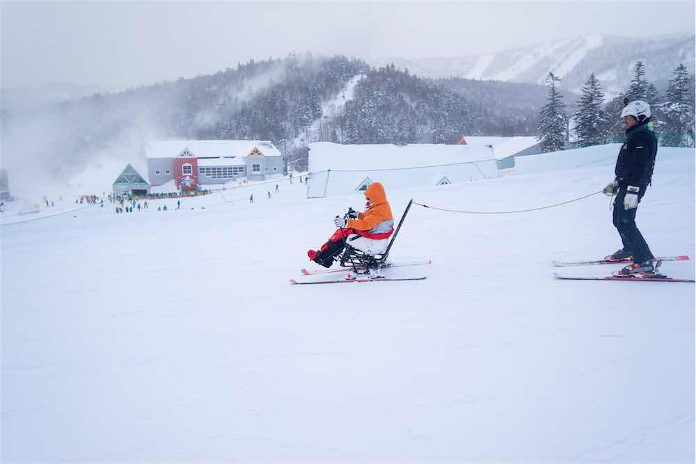 日本航空 北海道スキーツアー「車椅子で雪遊び」を監修/ユニバーサルツーリズム/U.S.I.Research