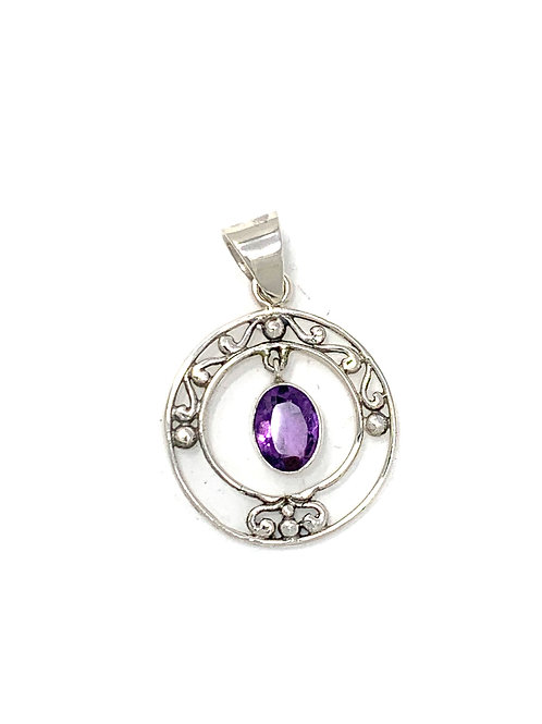 Sterling Silver Round Shape Pendant with Oval Shape Amethyst stone