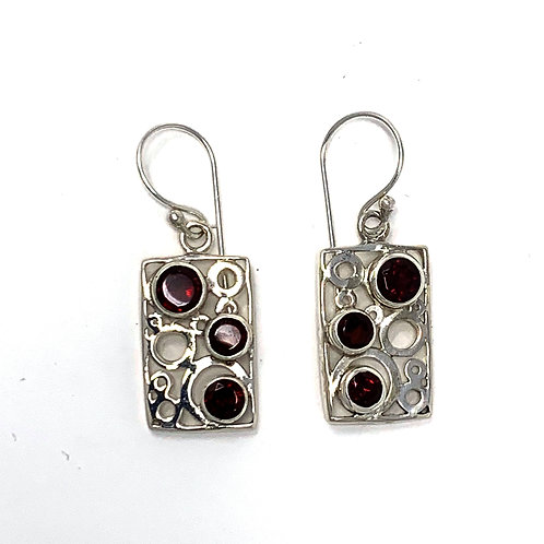 Sterling Silver Rectangle Earrings with Natural Round Gaarnet.