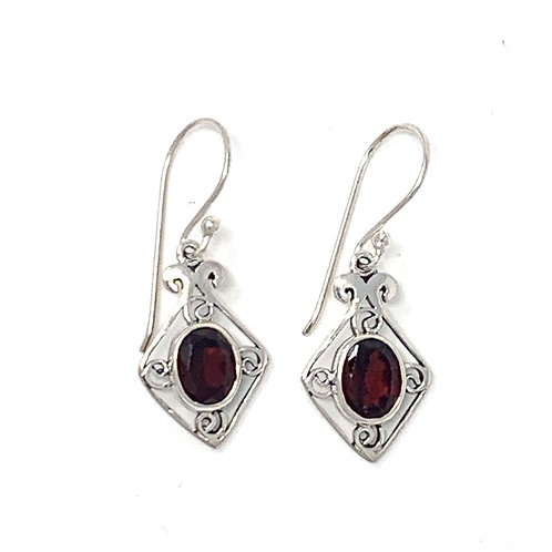 Sterling Silver Dangling Earrings with Natural Oval Garnet.