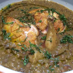 Lentejas estofadas con curry verde y codorniz asada.