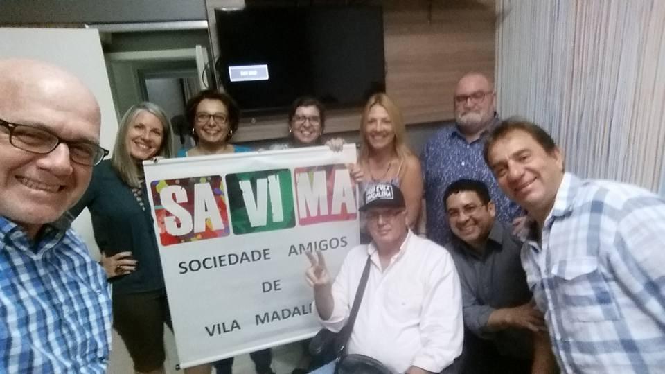 Reunião descontraída tratando de assuntos muito relevantes para a Vila Madalena.