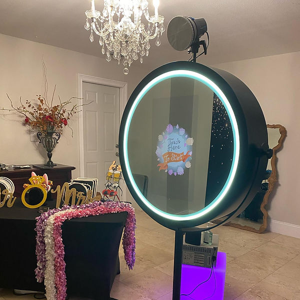 Beauty Mirror Photo Booth Rental