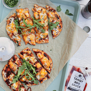 7 and 7 Grilled BBQ Chicken Naan Pizzas